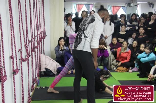 中印瑜伽名师公益课长沙站精彩回顾 14